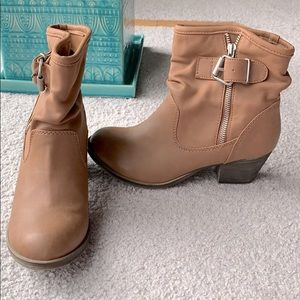 Western indie style pleather ankle boots